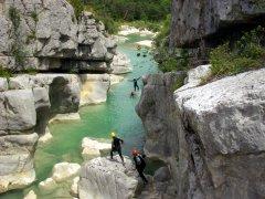 Randonnée aquatique pour marcher, nager, sauter et glisser en toboggan naturel dans le sud à la Rivière Langevin ou dans l'Est à la Rivière des Roches de Bras Panon.